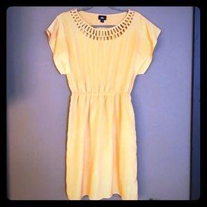 $⬇️ 💛 NWOT's Beautiful Mossimo Dress Sz M 💛